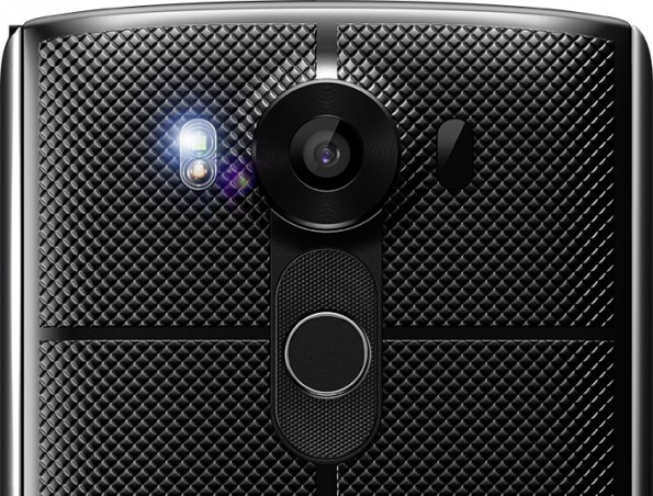 Das LG V10 besitzt nicht nur eine Kamera auf der Rückseite, sondern auch einen Fingerabdruckscanner. (Bild: LG)