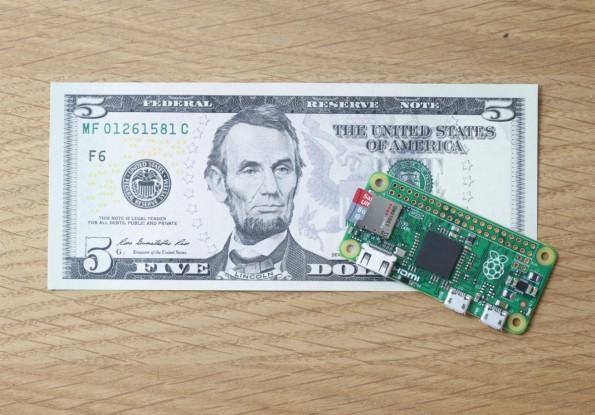 Der Raspberry Pi Zero ist kleiner als ein Fünf-Dollar-Schein, kostet aber genauso viel. (Foto: Raspberrypi.org)