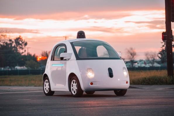 Die Regularien für selbstfahrende Autos, Roboter und Drohnen werden eines der drängendsten Probleme der Zukunft sein. (Foto: Google)