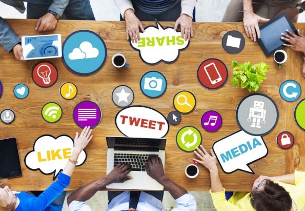 Neues Jahr, neues Glück: Darauf sollten KMU achten, wenn sie ins Social Web wollen. (Grafik: Shutterstock-Rawpixel.com)