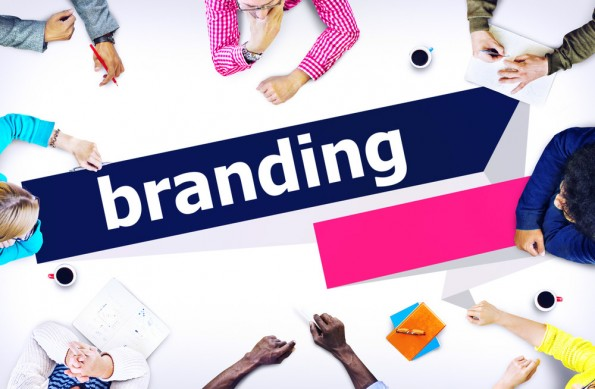 Eine Marke ist mehr als nur ein Logo oder eine hübsche Werbebroschüre. Sie hat eine eine eigene Persönlichkeit, gibt ein Lösungsversprechen ab und grenzt dich von der Konkurrenz ab. (Foto: Shutterstock)