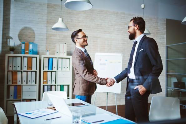 Vertrauen in die eigenen Fähigkeiten und Verhandlungsgeschick – wichtige Faktoren, die bestimmen, was man als Freelancer verdient. (Foto: Shutterstock)