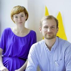 Justyna Zubrycka und Matas Petrikas (v.l.) haben die Avakais entwickelt. (Foto: vaikai.com)
