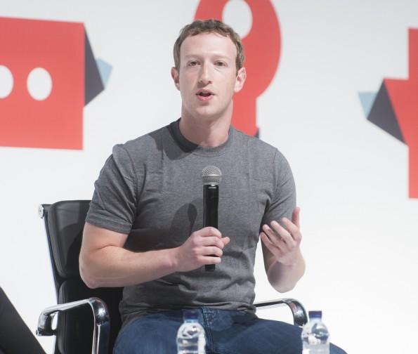800 Millionen Nutzer hat der Facebook Messenger. Jetzt will Mark Zuckerberg die Chat-App monetarisieren. (Foto: catwalker / Shutterstock.com)