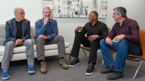 Seit der Übernahme von Beats im Jahr 2014 ist Mitgründer Dr. Dre offiziell Mitarbeiter des Konzerns. (Bild: Apple)