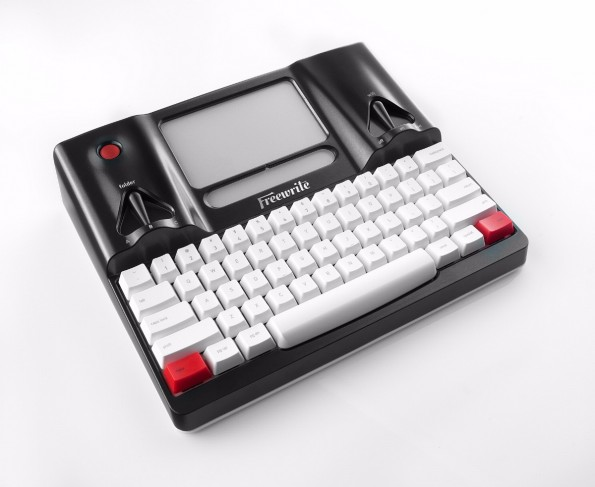 Kein Internet, keine E-Mails: Beim Freewrite soll euch nichts vom Schreiben ablenken. (Foto: Astrohaus)