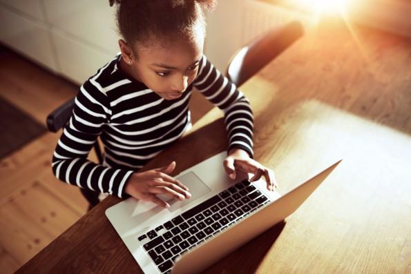 "Mit der ""Code-Your-Life""-Initiative will Microsoft den Programmierunterricht an Schulen fördern. (Foto: Shutterstock-Uber Images)"