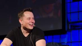 t3n-Daily-Kickoff: SpaceX-Raketenstart verschoben, ein Boot kam dem Start zu nahe