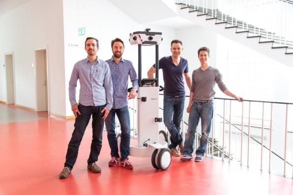 Die Gründer um ihren Mapping-Trolley M3. Foto: NaVvis GmbH