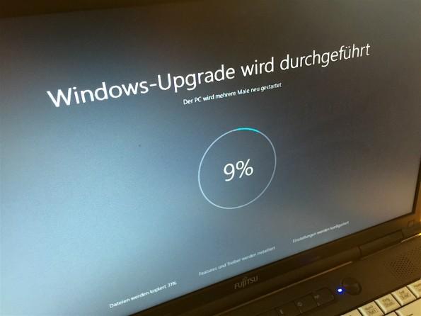 Erzwungen oder nur nicht genau aufgepasst? Windows-10-Upgrade läuft. (Bild: t3n/Jörn Brien)