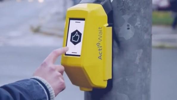 Smarter Ampeltaster: Actiwait wird auf der CeBIT 2016 mit einem Innovation-Award ausgezeichnet. (Foto: Urban Invention GbR)