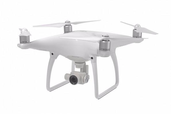 Der DJI Phantom 4 ist im klassischen Quadcopter-Design gehalten. (Foto: DJI)