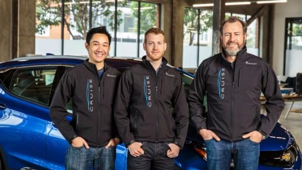 Cruise-Gründer Daniel Kan und Kyle Vogt mit General Motors-Präsident Dan Ammann. (Bild: General Motors)