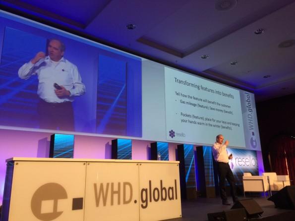 Van Dalfzen gibt Tipps, wie Hoster Features zu Benefits machen können. (Foto: t3n)