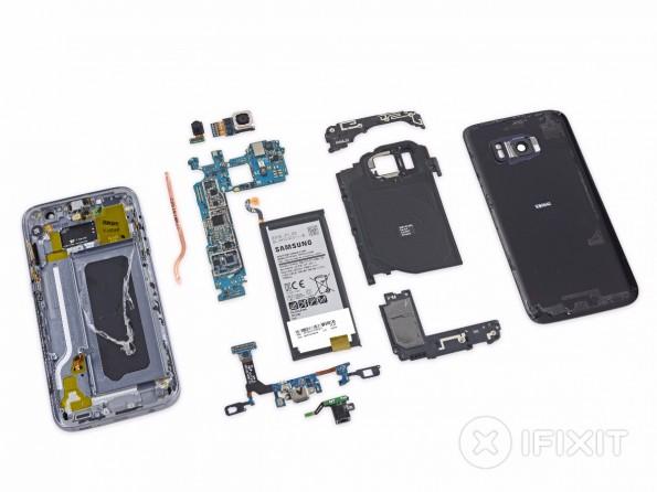 Alle Einzelteile des Samsung-Galaxy-S7-Teardowns auf einen Blick. (Foto: iFixIt)