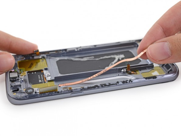 samsung-galaxy-s7-ifixit-teardown-heatpipe