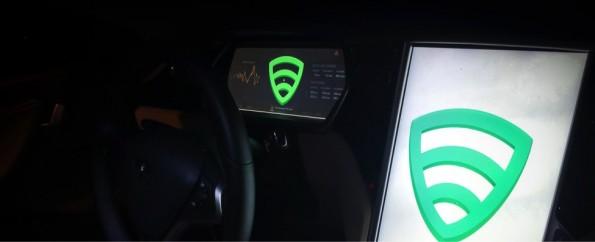 Tesla-Hack: Marc Rogers und Kevin Mahaffey erlangten Kontrolle über die Displays des Tesla Model S. (Foto: Lookout)