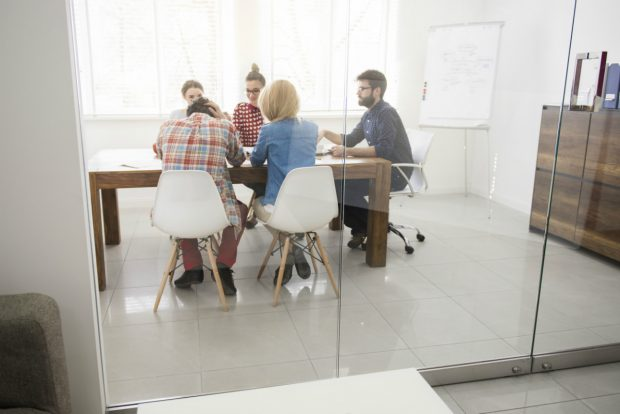 Viele Startup-Gründer in Deutschland wollen lieber in die USA. (Foto: Shutterstock)