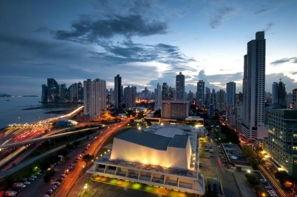 Panama gilt als Steueroase. Zahlreiche Prominente und Kriminelle wickeln über Briefkästenfirmen schmutzige Geschäfte ab. (Foto: Shutterstock