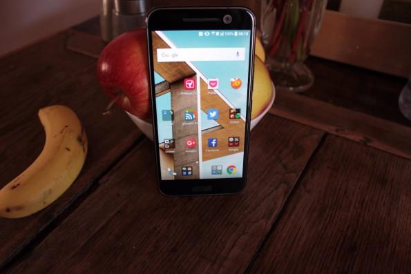 Das HTC 10 erinnert von vorne ein wenig an das One A9. (Foto: t3n)