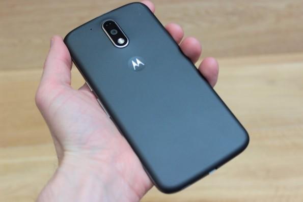 Die Rückseite des Moto G4 Plus. (Foto: t3n)