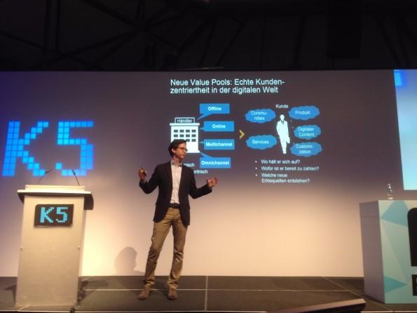 Andere E-Commerce-Geschäftsmodelle: Erlösströme aus dem Ökosystem um den Kunden herum, statt aus dem Produkt. (Foto: Jochen G. Fuchs)