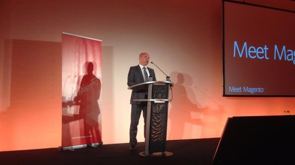 Dr. Thomas Feist bei der Eröffnungsrede. (Foto: Jochen G. Fuchs)