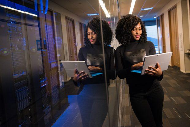 Frauen haben mehr Chancen auf einen Job in der Tech-Branche, wenn es nur um ihre Skills geht. (Bild:Flickr-WOCinTech Chat/CC BY-SA 2.0)
