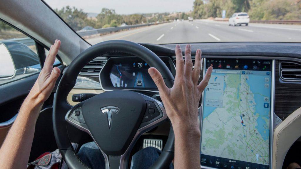 Autonomes Fahren: Deutsches Gericht verbietet Tesla Autopilot-Werbung