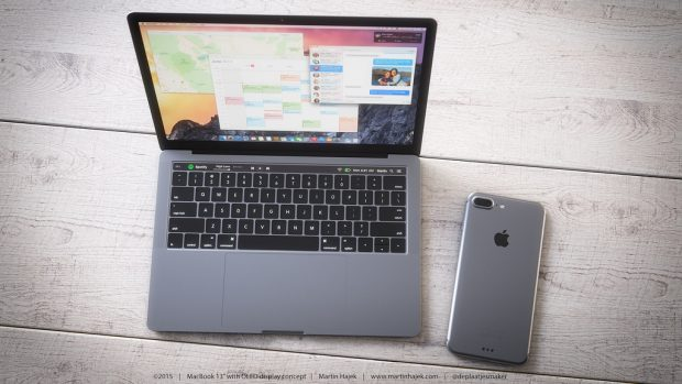 Konzept: Das 2017er iPhone 8 könnte neben einem Macbook liegen und kabellos geladen werden. (Bild: Martin Hajek)