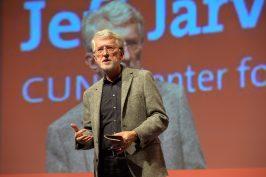 Jeff Jarvis auf der Hub Conference in Berlin am Dienstagabend.