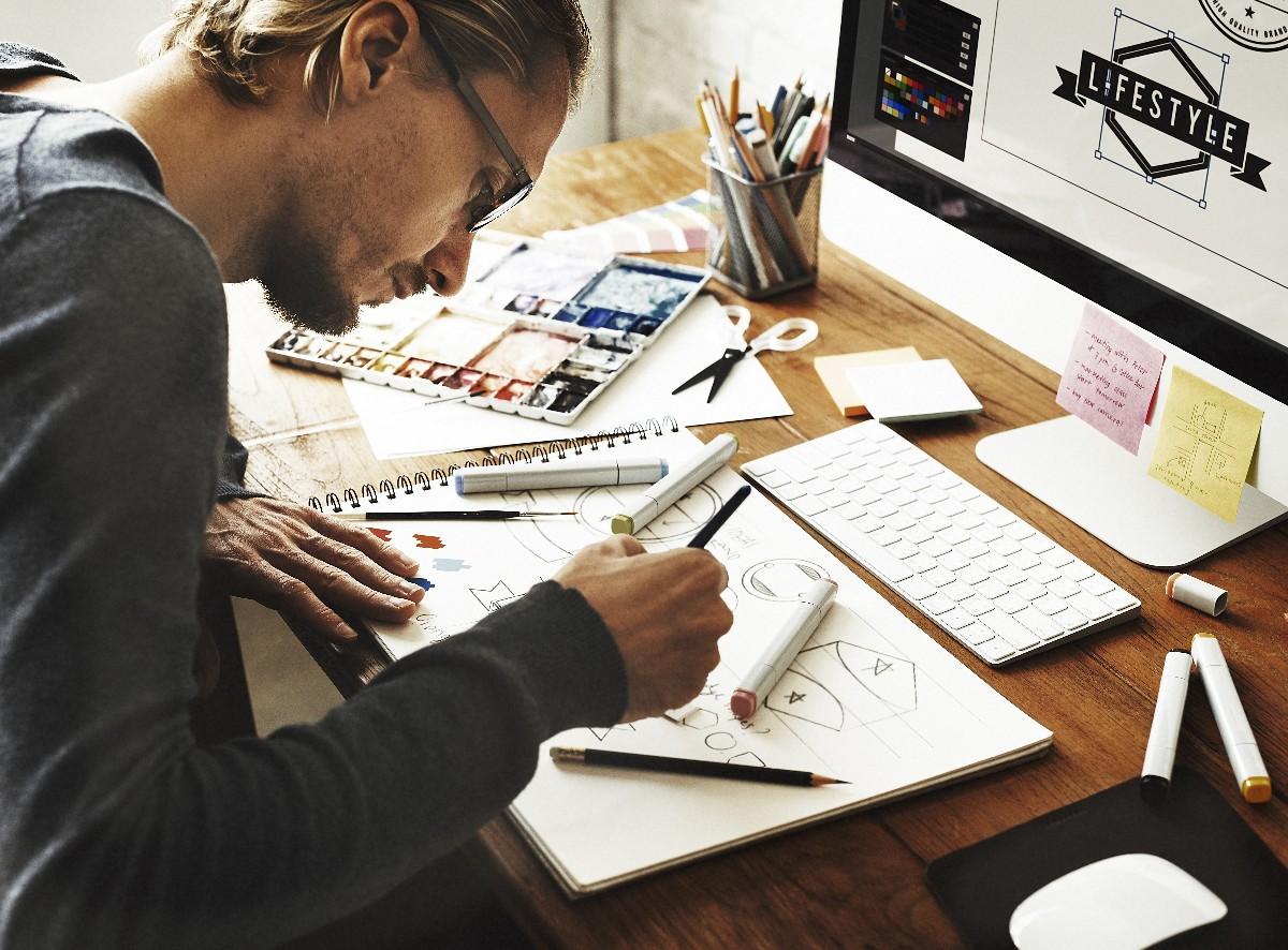 So viel verdienen Designer, PR-Manager und andere in der Kreativbranche