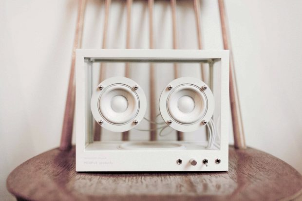 Bluetooth, Chromecast Audio, Airplay und Spotify Connect: Der Lautsprecher unterstützt alle wichtigen Technologien zur drahtlosen Sound-Übertragung. (Foto: People People)