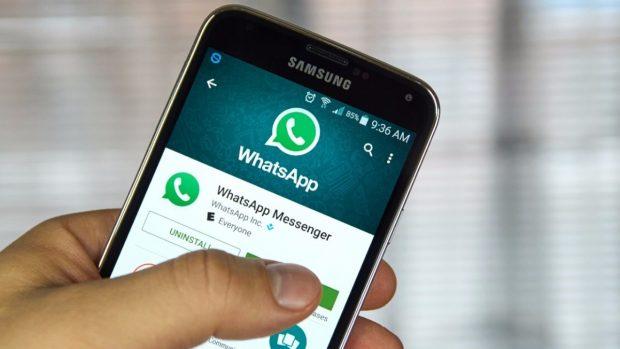 Haben die Whatsapp-Macher eine Hintertür in den Messenger eingebaut? (Foto: Shutterstock /dennizn)