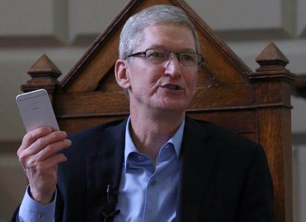 Tim Cook ist seit 2011 CEO von Apple. (Bild: Shutterstock / Laura Hutton)