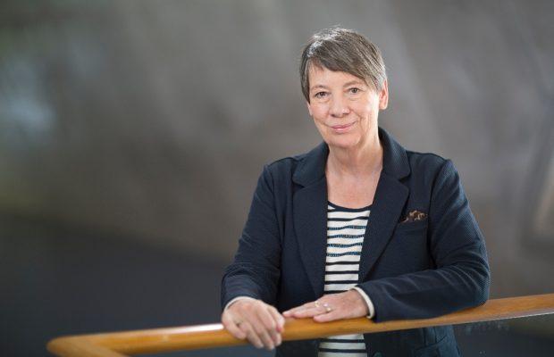 Umweltministerin Hendricks will Boom beim Elektroauto. (Bild: BMUB/Thomas Imo, photothek.net)