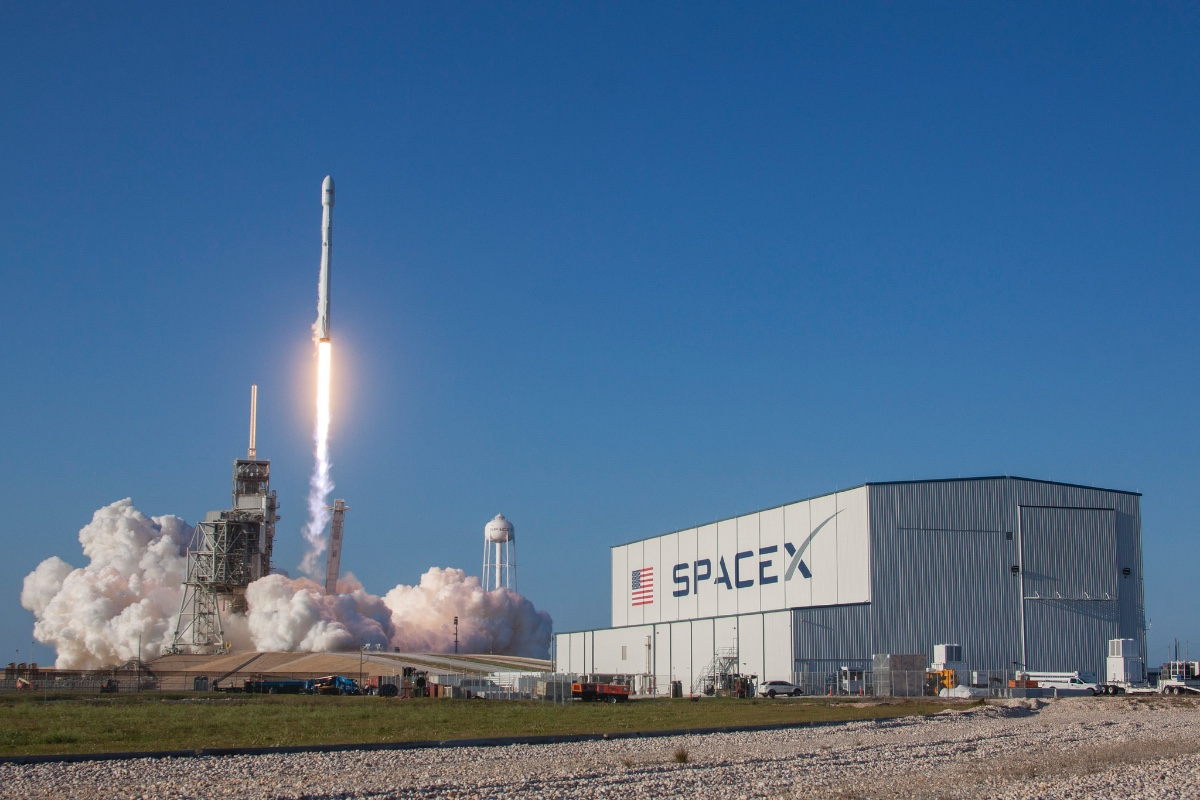 SpaceX - cover