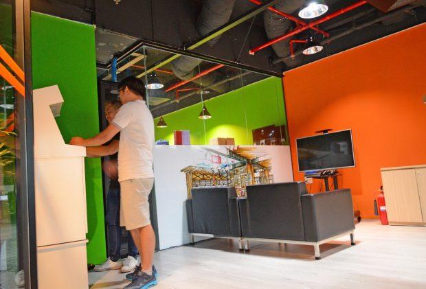 sweatshop oder startup so arbeiten coder in vietnam f r. Black Bedroom Furniture Sets. Home Design Ideas