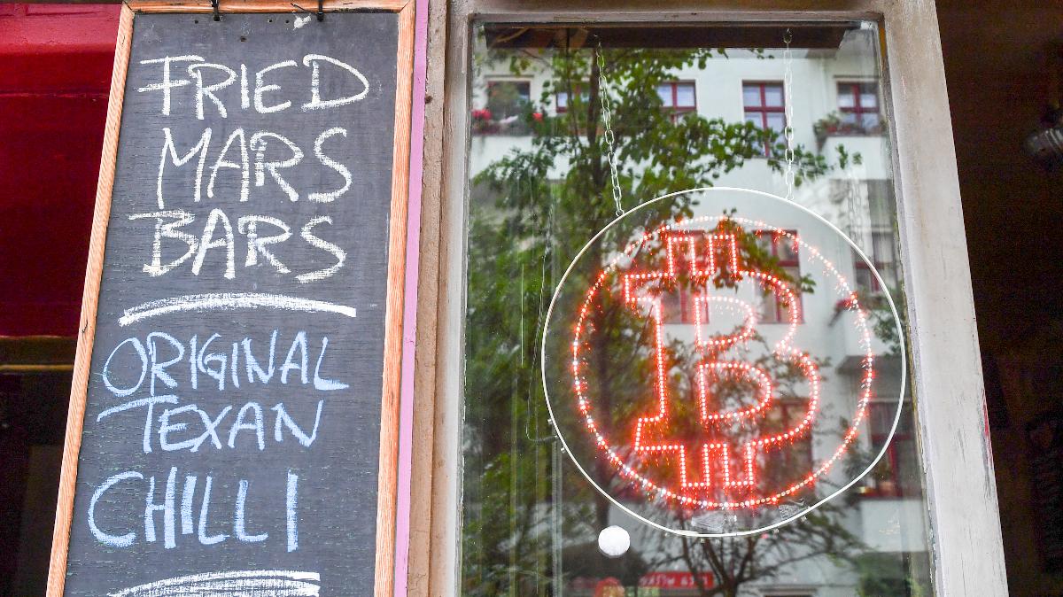 Room 77: Die Bitcoin-Insel mitten in Berlin