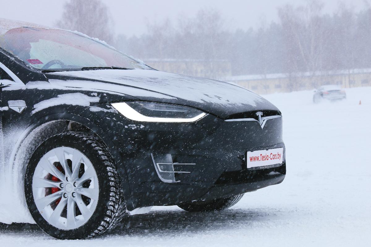 Elektroautos im Winter: Intelligente Technik gegen Reichweitenangst