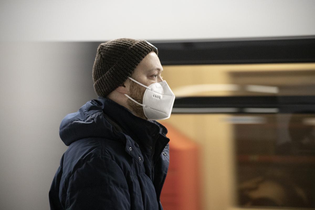 Gericht entschied: Attest zur Maskenbefreiung macht arbeitsunfähig